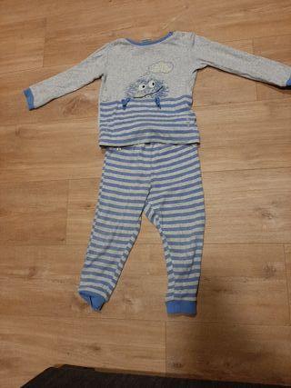 Pijama 2-3 años.