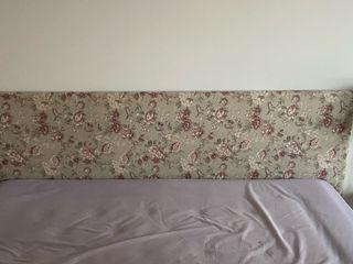 Cabecero y cortinas a juego + dos colchas