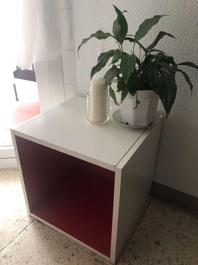 Estantería cajón modulo Ikea (familia Kallax).