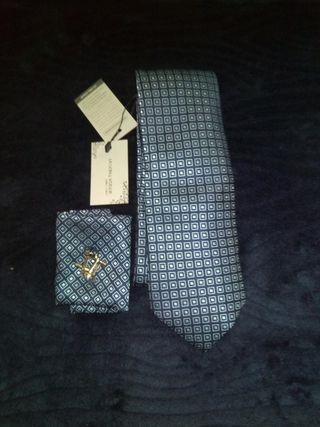 corbata nueva