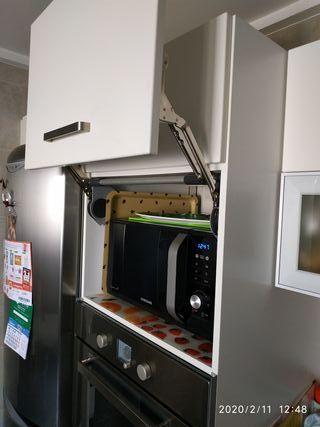 Elevador puerta cocina