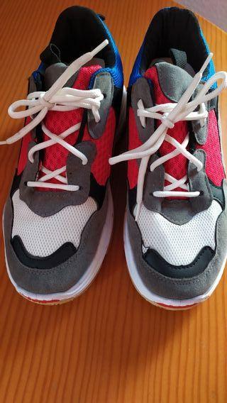 Zapatillas deportivas de segunda mano en Cartagena en WALLAPOP