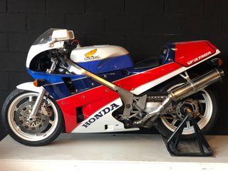 Honda RC30 VFR750R
