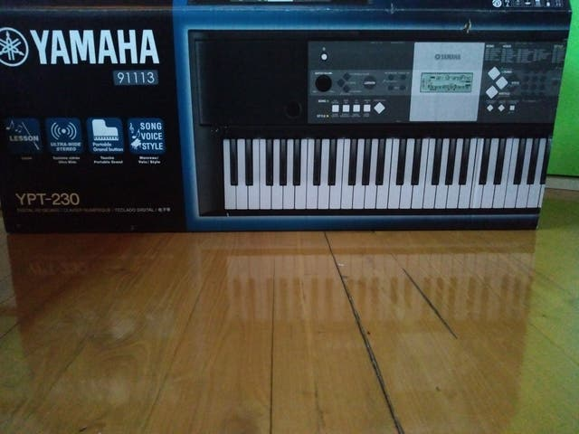 Teclado digital Yamaha YPT-230