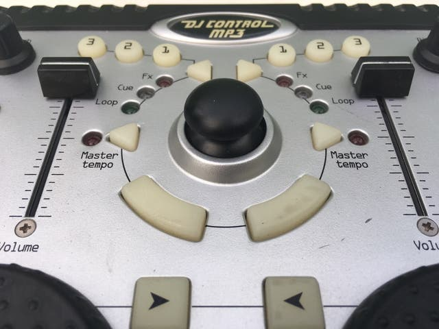 Controladora Hercules DJ CONTROL MP3
