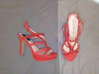 zapatos de fiesta rojos. talla 39