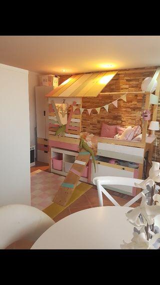 Cama cabaña infantil con almacenaje.