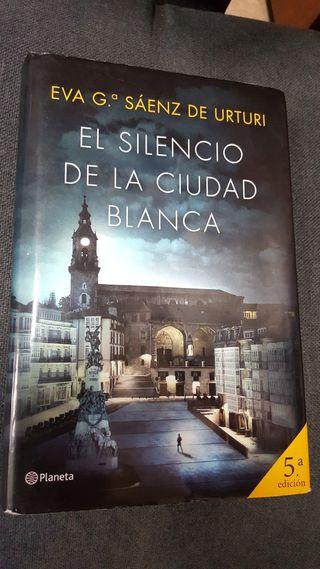 trilogía de la Ciudad Blanca Eva García Sáenz de