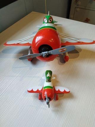 Avión teledirigido + avion pequeño Planes