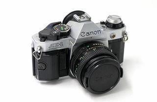Cámara analógica Canon AE-1 PROGRAM + motor