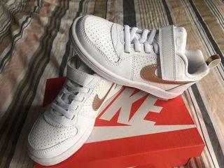 Zapatillas Nike Air Force blancas talla 29,5
