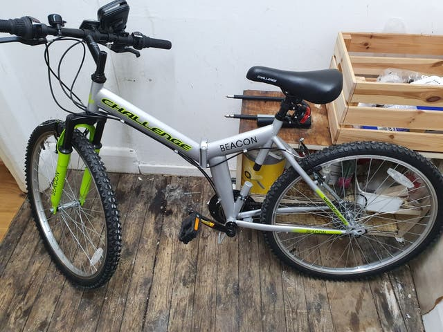folding bike 2 week used only excellent condition