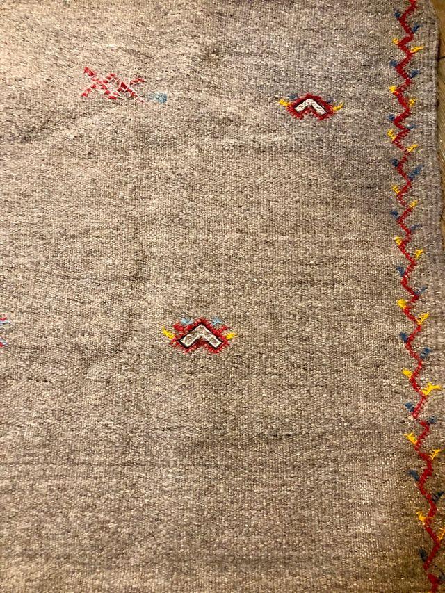 Alfombra (Kilim) gris de lana