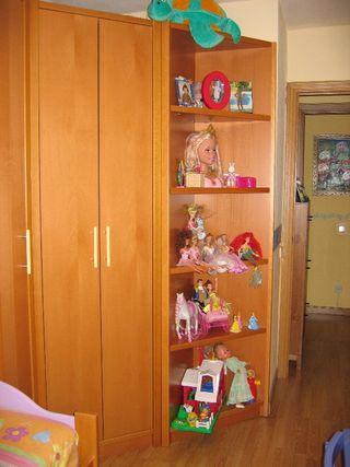 Gran armario en esquina y otros