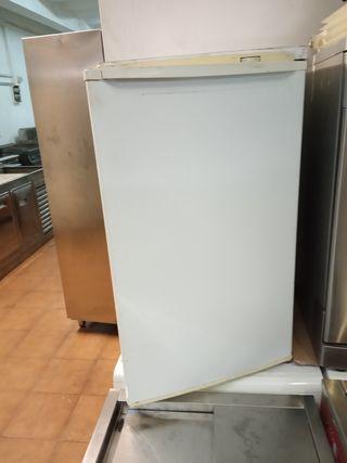 cgelador de cajones pequeño altura 80 x 60 de anch