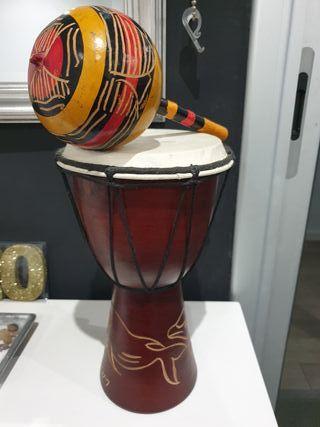 tambor y maraca artesanal