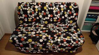 sofá 2 plazas/cama+ 2 fundas(blanca y lunares)