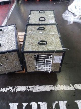 Transportan Baúl para perro mediano y gatos.
