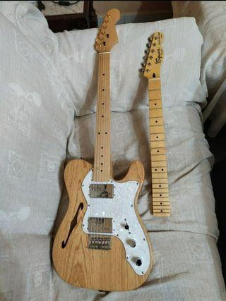 Fender Squier Deluxe Thinline Fretless