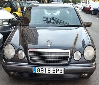 Mercedes-Benz Clase E 320 1996 en perfecto estado