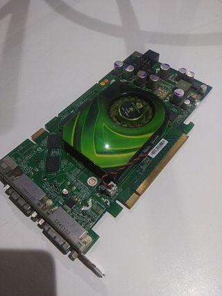 P455 NVIDIA GeForce 7900 GS 256 MB GDDR3 memoria 1