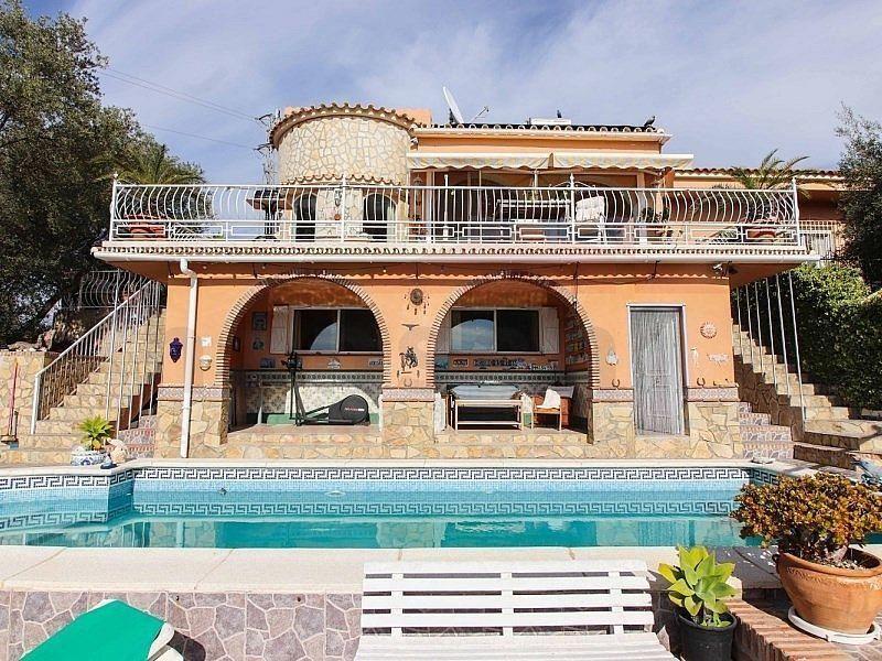Villa en venta en Sayalonga (Torre del Mar, Málaga)