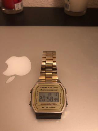 Reloj Dorado Casio