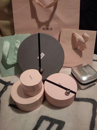 Cajas y bolsas de Tous varios precios