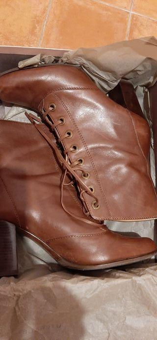 Botines Uterque 38 piel marrón