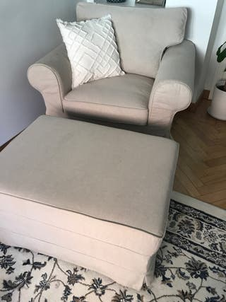 SILLON + REPOSAPIES IKEA MODELO EKTORP
