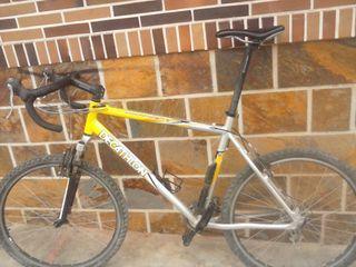 bicicleta de carretera y montaña