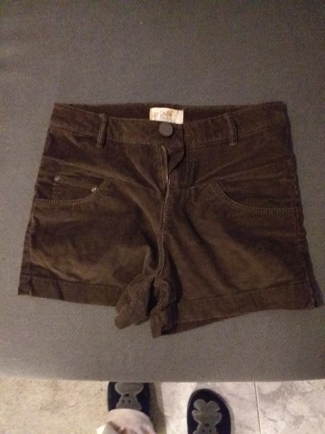 Shorts marrones de pana pull&bear