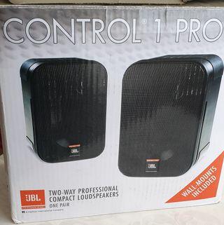 Altavoces JBL Control 1 Pro