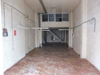 Alquiler de Local en Santa Cristina - San Rafael