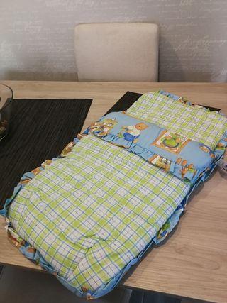 saco de bebé con etiqueta