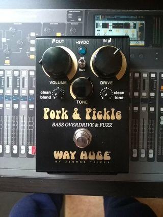 Way Huge Pork & Pickle pedal fuzz y overdrive bajo