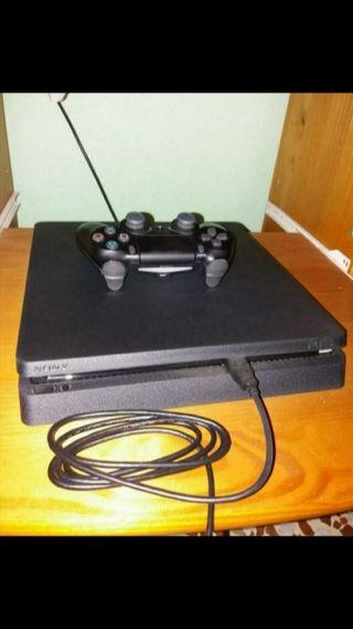 Consola PS4 + Regalo 3 Juegos