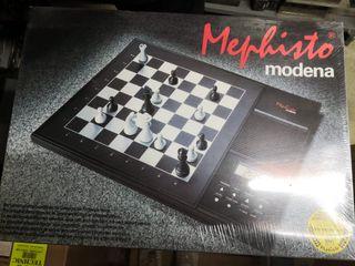 Jeu d'échecs électronique MEPHISTO MODENA