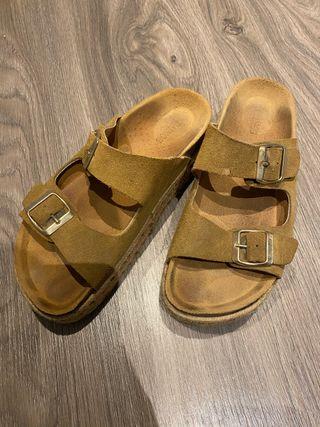 Sandalias estilo Birkenstock