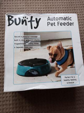 bunty dog food dispenser