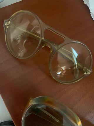 2 gafas años 60.
