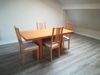 Mesa Ikea color madera +4 sillas