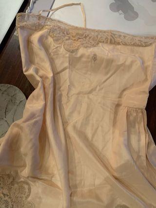 Camison de seda antiguo.