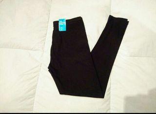 Leggin de algodón básico en negro, para mujer.