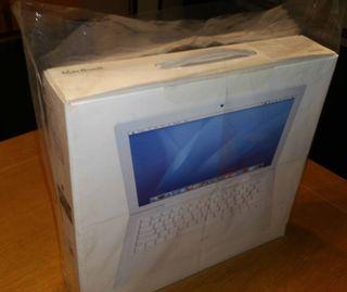 MacBook Blanco del 2006. Como recién abierto