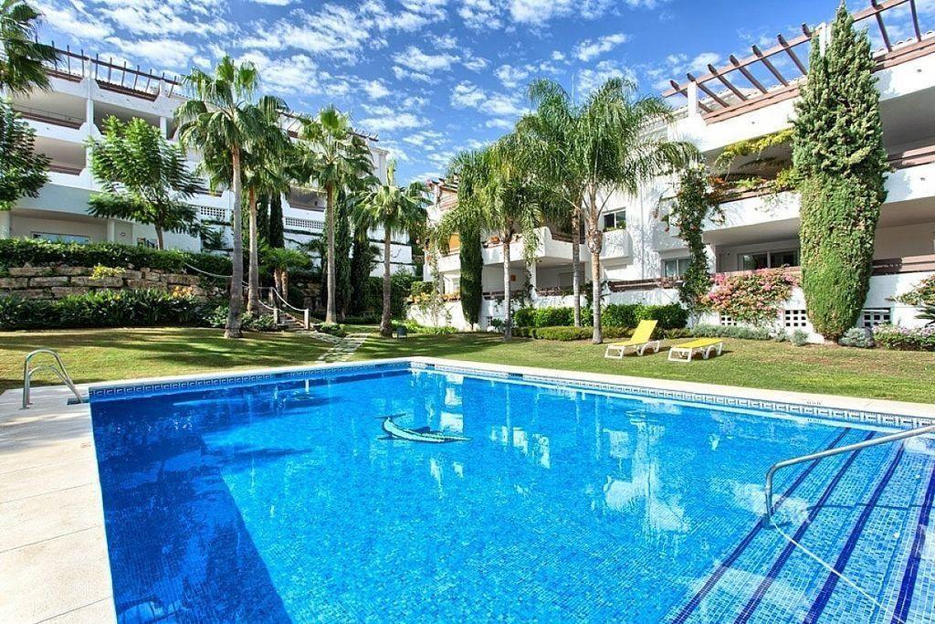 Apartamento en venta en El Padrón - El Velerín - Voladilla en Estepona (Resinera Voladilla, Málaga)