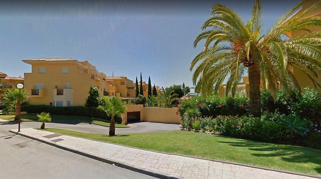 Casa adosada en venta en El Padrón - El Velerín - Voladilla en Estepona (Gualdalmansa, Málaga)