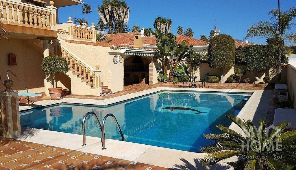 Villa en venta en Alcorrín en Manilva (Alcorrín, Málaga)