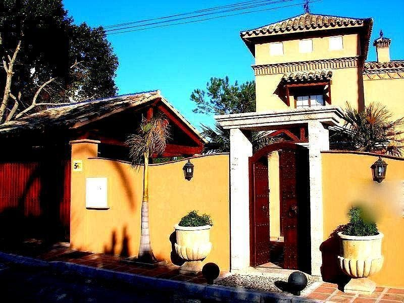 Piso en alquiler en El Padrón - El Velerín - Voladilla en Estepona (Gualdalmansa, Málaga)