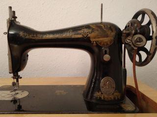 Maquina de coser antigüedad